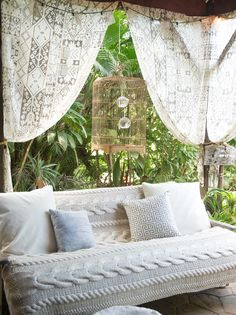 "Romantic retreat - BBC Boracay says:"" What a wonderfull romantic sofa. Great spot for a cup of coffee and a good book.."" Bohemian House, Bohemian Interior Design, Modern Interior, Boho Room, Trendy Home Decor, Unique Home Decor, Diy Home Decor, Industrial Stool, Adirondack Furniture"