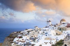 Places to see before you die (II) - Oia, Santorini island, Greece