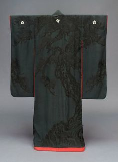 """C furisode - Museum of Fine Art, Boston. The type of kimono thats makes me breathe """"Oooh, that's so PRETTY"""" Japanese Outfits, Japanese Fashion, Asian Fashion, Traditional Japanese Kimono, Japanese Geisha, Furisode Kimono, Yukata, Japanese Textiles, Japanese Fabric"""