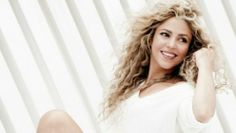 Shakira 'Can't Remember To Forget' download (official mp3) and full song CDQ audio, the Rihanna-assisted...