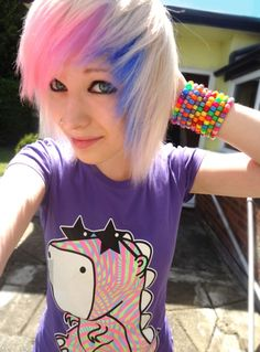 Hannahhacksawxoxo short hair with pink and blue