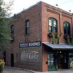 Featured Gay Friendly Accommodations: Peerless Hotel, Ashland, Oregon