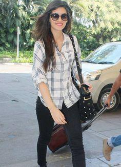 Kriti Sanon at Mumbai airport. #Bollywood #Fashion #Style #Beauty #Hot #Cute
