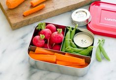 Great veggies packing tips, ideas, and lunchbox suggestions via Lunchbots Bento Box Lunch, Lunch Snacks, Easy Snacks, Healthy Snacks, Healthy Recipes, Lunch Boxes, Healthy Eating, 3 Compartment Food Containers, Bio Vegan
