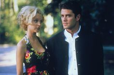 "Lindy Booth and guest star Yannick Bisson in ""Relic Hunter"", episode ""Maze of the Minotaur"""