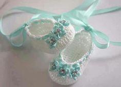 Baby Ballerina Slippers Crochet Baby Booties by LeftyStitches Mais Booties Crochet, Crochet Baby Sandals, Crochet Baby Clothes, Crochet Shoes, Crochet Slippers, Knit Crochet, Baby Ballerina, Ballerina Slippers, Baby Boots