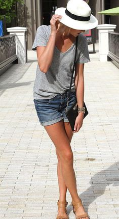 50 Sexy Denim Shorts Outfits For This Summer, Summer Outfits, If you are on a vacation for summer, nothing beats a cool t-shirt and these denim shorts outfit. Like we all know clothes are only as good as the comf. Summer Shorts Outfits, Denim Outfits, Outfit Jeans, Spring Outfits, Casual Outfits, Boyfriend Shorts Outfit, Summer Clothes, Denim Shorts Outfit Summer, Fedora Outfit