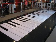http://www.TravelPod.com - Big Piano in FAO Schwarz by TravelPod member Emmafox, from New York City, United States