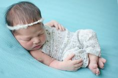 Fotografia Newborn (recém-nascido). Estúdio Daniela Leite, localizado na Barra da Tijuca, Rio de Janeiro/Rj. www.danielaleitefotografia.com