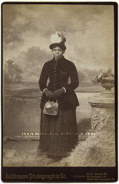 Victorian Women in America   Pretty Victorian Era African American Woman   Vintage Noir