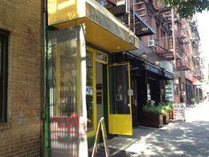 Oi meninas, tudo bom? Hoje vim dar uma dica de um restaurante brasileiro muito gostoso aqui em NYC, o Berimbau, que ficano bairro de Greenwich Village. O ambiente é...