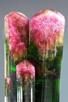 Bi-color Tourmaline - Isn't this watermelon tourmaline. Minerals And Gemstones, Rocks And Minerals, Crystal Magic, Watermelon Tourmaline, Beautiful Rocks, Mineral Stone, Rocks And Gems, Stones And Crystals, Gem Stones