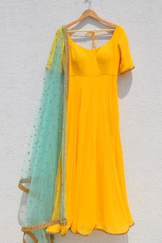 wedding collection for more details dm or whatsapp on 8545908911 Use ha… – DOOR Kurti Neck Designs, Kurta Designs Women, Kurti Designs Party Wear, Blouse Designs, Blouse Patterns, Long Dress Design, Stylish Dress Designs, Pakistani Dresses Casual, Indian Gowns Dresses