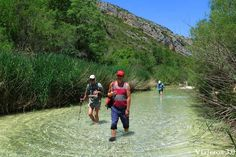 senderismo acuático en Alquézar y el cañón del río Vero Places To Travel, Places To Visit, Aragon, Travelogue, Spain Travel, Wonderful Places, The Good Place, Road Trip, Tours