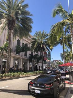 Die Palmen des Rodeo Drive in Beverly Hills , City Aesthetic, Travel Aesthetic, Los Angeles Wallpaper, Places To Travel, Places To Visit, Drive In, Beverly Hills Hotel, Beverly Hills Los Angeles, Beverly Hills Rodeo Drive
