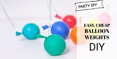 Forgot to buy balloons weights! Use a balloons as weights, they look cute and make adorable balloon weights. Perfect to use as weights for big Balloons. Diy Balloon Weight, One Balloon, Balloon Backdrop, Diy Backdrop, Helium Balloons, Party Shop, Diy Party, Balloon Hacks, Candy Stations