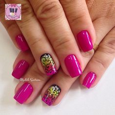 Instagram media by madahsantana - Nails linda @Katia #rosa#filha#única#arabescos#mimo #madahsantana #manicure #nailartes #naoéadesivo #tudofeitoamaolivre #traçolivre #mimo