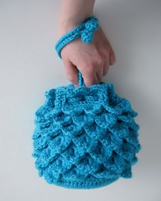 Blue Raspberry Evening Bag Crochet Pattern. What a cute idea .-- Inspiration, but I know I can do this!!!