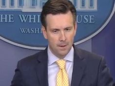 WH Spox Says He 'Noticed' Hillary Said She 'Looked' at TPP Details Before Release - Breitbart