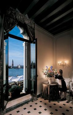 Not so minimal but.... I make an exception :) | Hotel Cipriani Palazzo Vendramin |  Venice