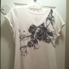 The Limited Perfect Tee with flower print Good condition-fits like a medium The Limited Tops