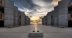 View of the central plaza at the Salk Institute for Biological Studies, looking west towards the Pacific Ocean. (Courtesy © Salk Institute for Biological Studies)