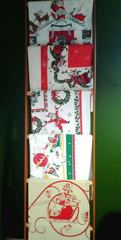 Virginia Retro: Vintage Christmas Tablecloths