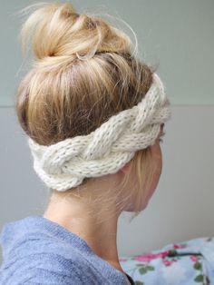 am liebsten das. Stirnband ♥geflochten♥ creme, gestrickt von Wollmauz auf DaWanda.com