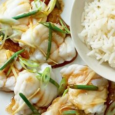 Steamed Monkfish with Wild Garlic and Ginger A Chinese inspired seafood dish from Rick Stein. This fragrant fish recipe is made with delicate steamed monkfish with added ginger, sesame oil and soy sauce. Rick Stein, Fish Dishes, Seafood Dishes, Seafood Recipes, Cooking Recipes, Cooking Fish, Dishes Recipes, Sauce Recipes, Seafood Platter