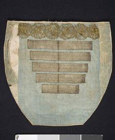Bröstduk i siden med silvergaloner och silverspets; Vemmenhögs härad, 1800-tal. Malmö Museer, nr. MM 047880