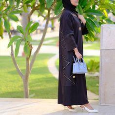 #Repost @flooosha with @instatoolsapp Casual abaya by @lilya_fashion_ #abayas