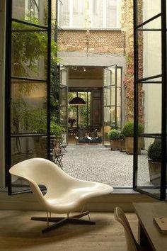 Belgian blockwork & formal planters: superchic