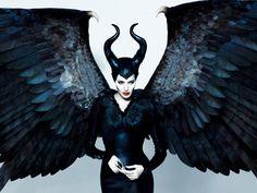 Angelina-Jolie-as-Maleficent-
