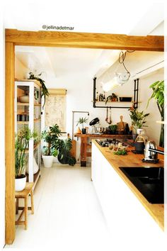 Home Decor Kitchen, Room Interior, Interior Design Living Room, Home Kitchens, Living Room Designs, Living Room Decor, Home Decor Styles, Vintage Home Decor, Kitchen Remodel