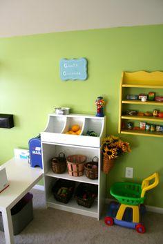 Remodelaholic.com | Imagination Station! Kids Play Room