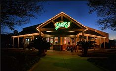 The 12 Best Neighborhood Restaurants in Louisiana Lafayette Louisiana, Louisiana Homes, Abbeville Louisiana, Seafood Restaurant, The Neighbourhood, Places To Visit, Cabin, House Styles, Building