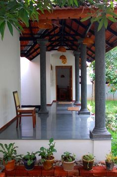 Dream veranda Indian home Indian Home Design, Village House Design, Farmhouse Design, Indian Homes, Traditional House Plans, House Designs Exterior, Kerala House Design, Chettinad House, Village Houses