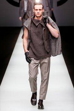 Sfilata Moda Uomo Giorgio Armani Milano - Primavera Estate 2019 - Vogue 9afbc6bbdca