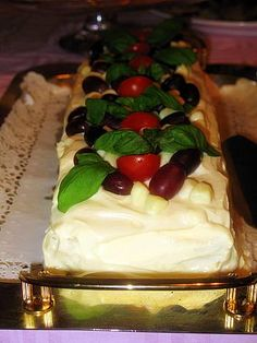 Rippijuhlatarjoilut – Hellapoliisi Food And Drink, Drinks, Desserts, Drinking, Tailgate Desserts, Beverages, Deserts, Drink, Dessert