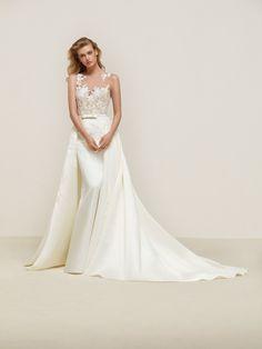 Dranoe: Vestido de novia estilo sirena dos en uno con una preciosa sobrefalda en raso real que termina en cola- Pronovias