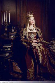 "Young Cersei Lannister (The Look: Lucrezia Borgia - part of the ""Lucrezia"" series by Viona Ielegems) Costume Roi, Moda Medieval, Portfolio Pictures, Queen Aesthetic, Fantasy Photography, Fashion Photography, Fantasy Costumes, Medieval Fantasy, Costume Design"