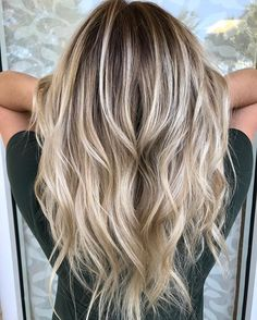 I can balayage allllll day long! Hair painting by Mallery #balayage #hairpainting #olaplex is best look at this shine