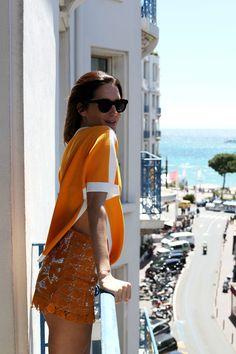 Street Style: Gala Gonzalez's Orange Crush Gala Gonzalez, Girl Fashion, Fashion Outfits, Womens Fashion, Style Casual, Holiday Fashion, Holiday Style, Fashion Labels, Well Dressed