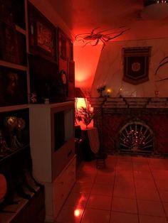 Magalie Sarnataro's prop Halloween 2017. Hollywood Tower Hotel  Den
