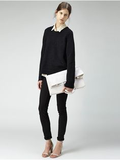 Perfect gamine outfit to wear everyday: chunky, oversized sweater, skinny jeans, minimalist heels, clutch.    From largarconne.com    #lagarconne #fall2013