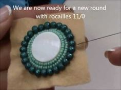 DIY Tutorial Bead Embroidery Pendant with mother of pearl disc, rocailles, Superduo/Twin beads (1/2)