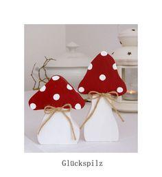 Deko-Objekte - Zwei Fliegenpilze Pilze - ein Designerstück von uggla-deko bei DaWanda