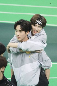 "☁ i c h a 🍁 on Twitter: ""GEMES BANGET XIAOJUN WINWIN 💞  cr. Golden_Winds… "" Winwin, Nct 127, Kpop, Luv Letter, Johnny Seo, Jaehyun, Nct Dream, Boy Bands, Boy Groups"