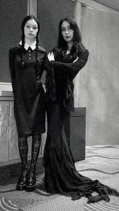 Morticia Addams Costume • Seasonal Craze #morticia #costumes