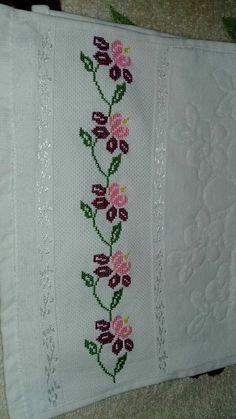 Cross Stitch Borders, Cross Stitch Flowers, Cross Stitch Designs, Cross Stitch Patterns, Hand Embroidery Design Patterns, Embroidery Stitches, Saree Border, Baby Knitting Patterns, Pattern Design